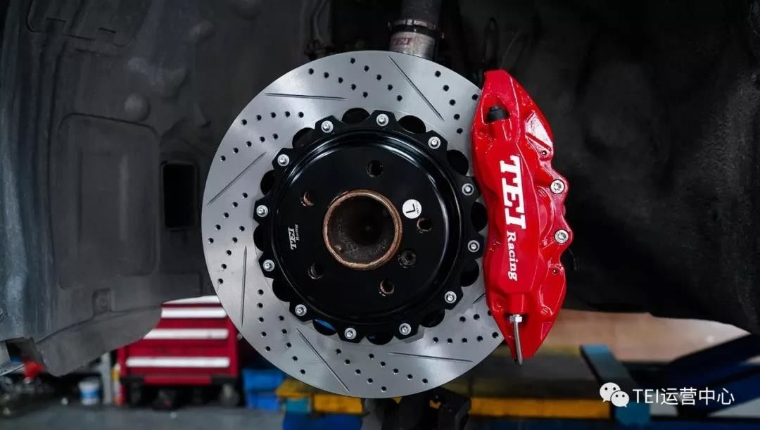 Big Brake Conversion Kits For BMW F30 18 Inch Front And Rear Wheel